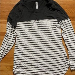 Color block, striped tee with elbow pads
